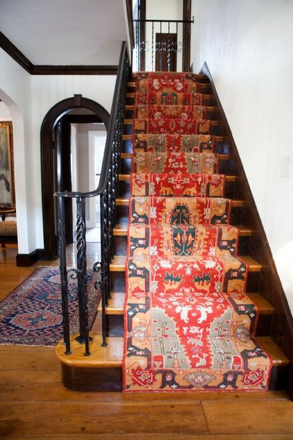 oh that rug on the stairs...