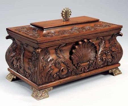 Finely Carved Mahogany Hardwood - 17 Inch Shell Motif - Table Top Covered Box