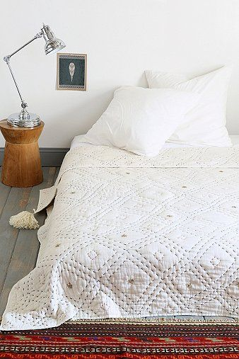 diamond stitched white quilt
