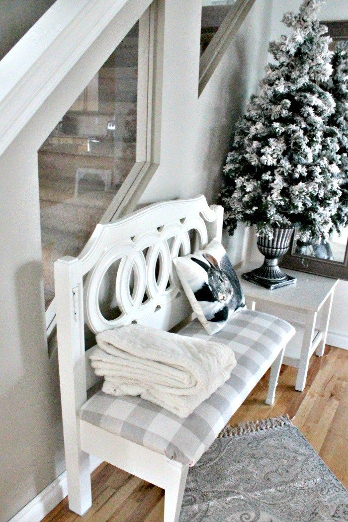 How to make a DIY Bench from a Headboard