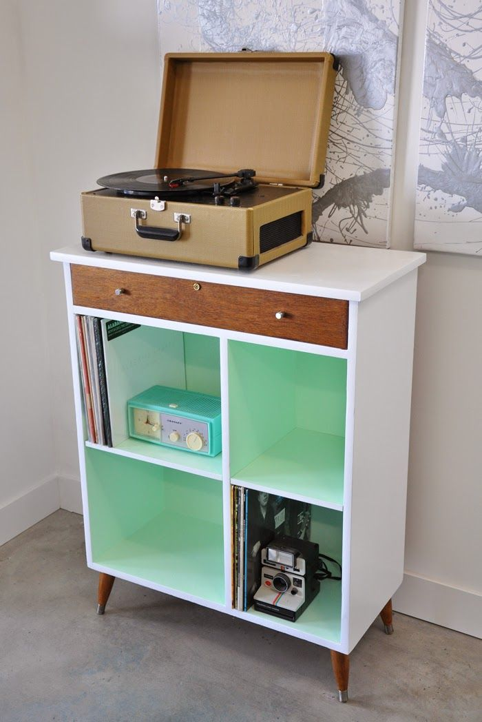 Before and After | Vintage Cabinet from Shabby to Chic
