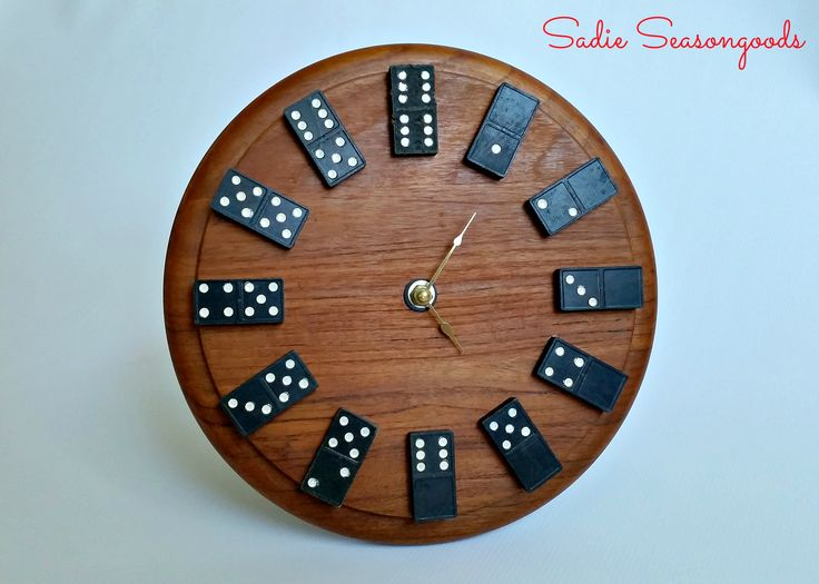 DIY Vintage Domino Wall Clock: A Perfect (and Easy) Gift for Guys!