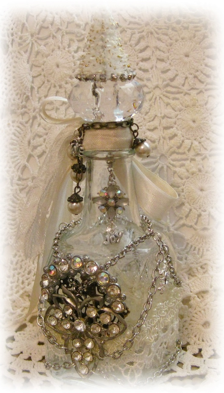 Holiday altered bottle - By Melanie