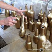 Decoração de Casamento rápida e barata: garrafas pintadas de dourado com flores