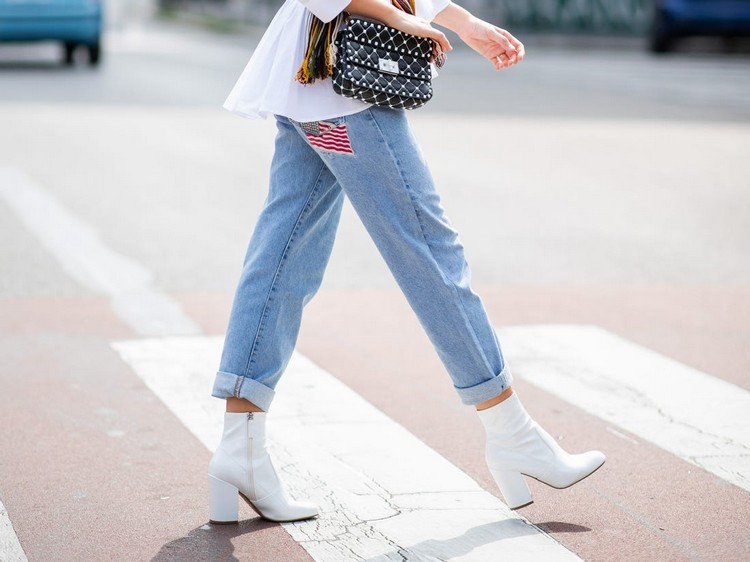 Combine white boots: It's that easy to